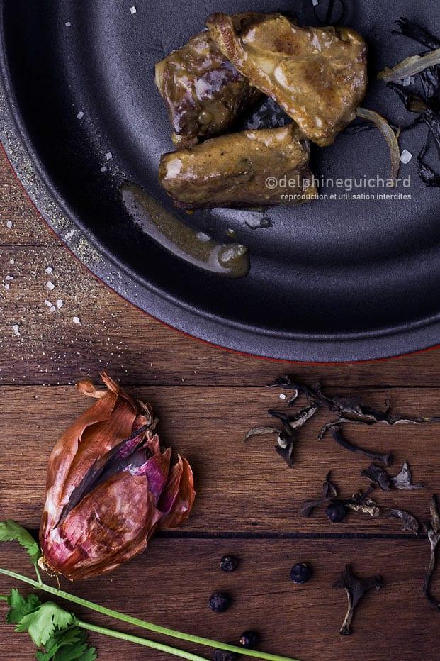 Veau en sauce et trompettes de la mort cook 39 n focus - Comment cuisiner les trompettes de la mort champignons ...