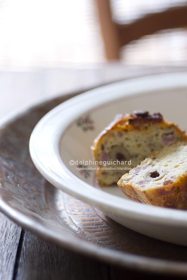 Cake au chorizo, olives et faisselle